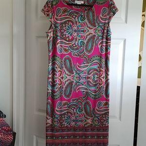 Women's Pink/fuchsia Patterned Dress; size XL